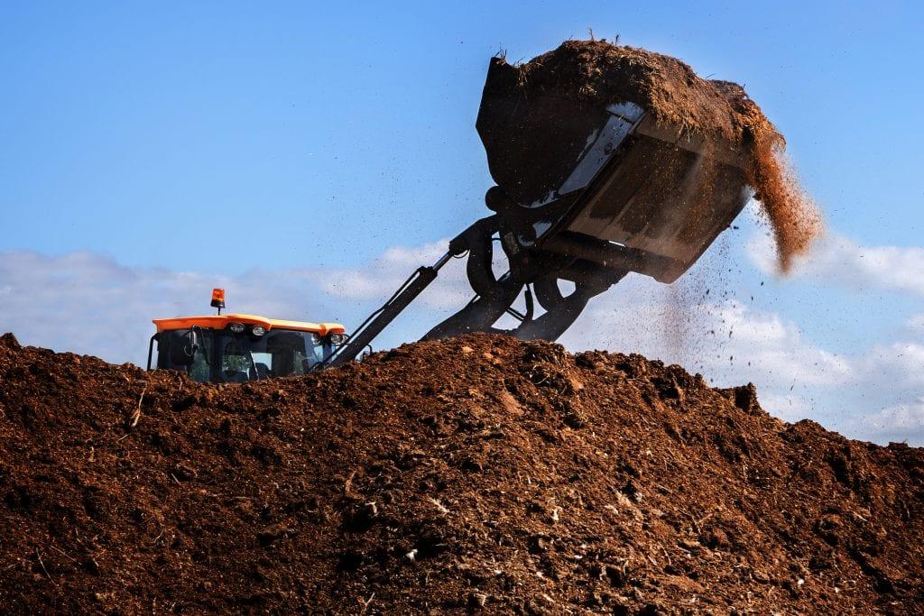grond afgraven graafmachine grondverzet loonbedrijf