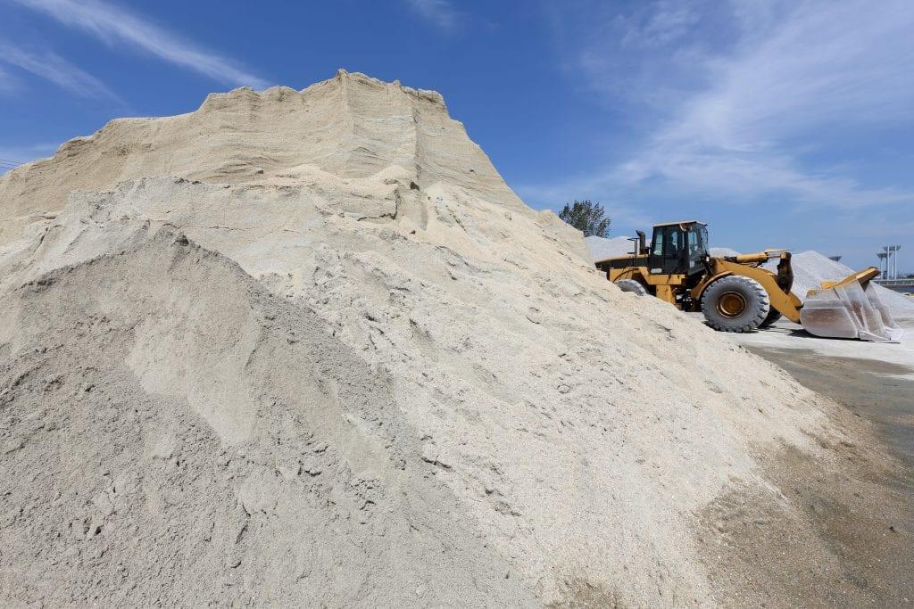 zand straatzand ophoogzand tuinzand bezorgen leveren prijs m3 kuub goedkoop