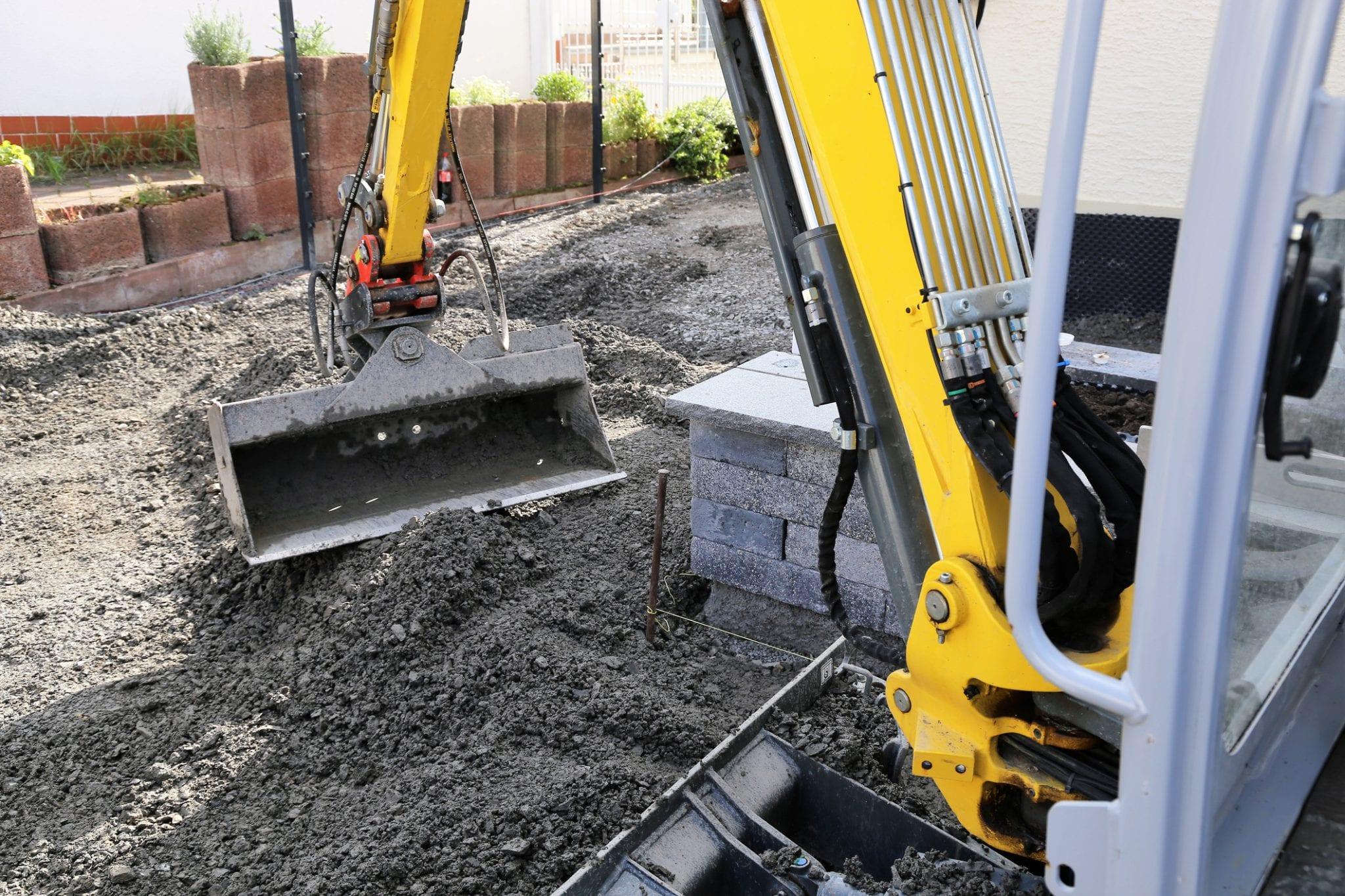 tuin afgraven grondverzet minikraan