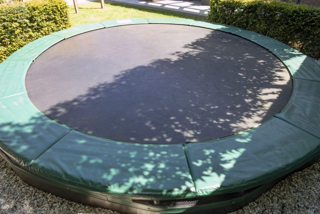 trampoline laten ingraven