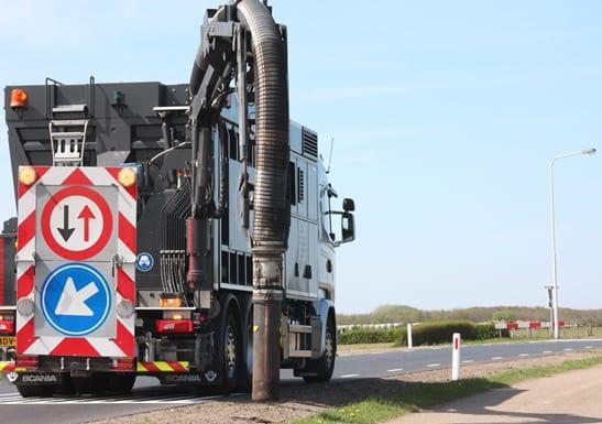 Zandblaasmachine of vrachtauto huren